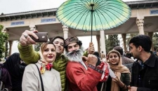 لحظه تحویل سال نو در حافظیه شیراز+ (تصاویر)