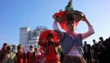 کاروان شای به مناسبت هفته مازندران در خیابان های ساری/تصاویر